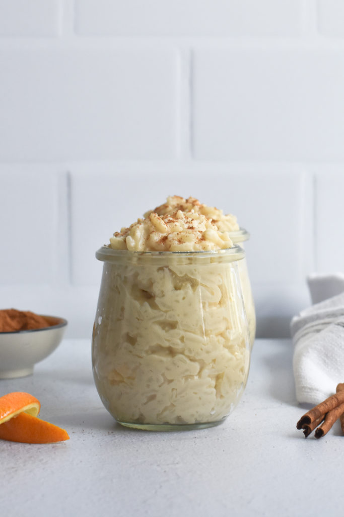 Vegan Arroz con Leche is a dairy-free spin on the classic dessert. It's creamy and so easy to make! #vegan #christmas #dessert #vegan #Mexican #veganMexican #VeganChristmas