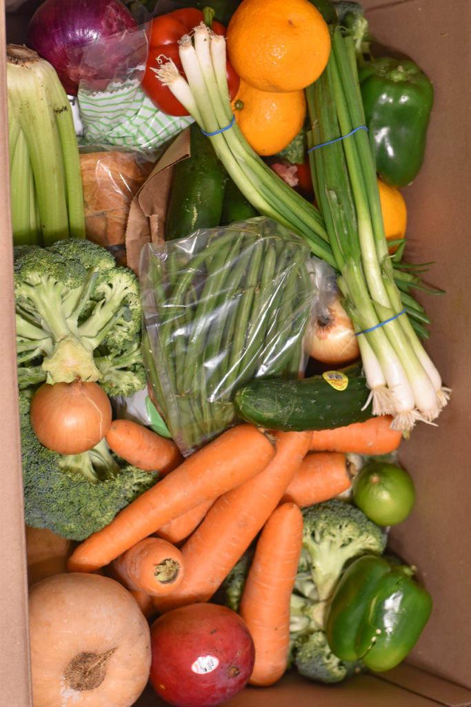 Imperfect Foods is a great way to have quality groceries delivered right to your door! #ImperfectFoods #groceries #food #produce #healthy #vegetables