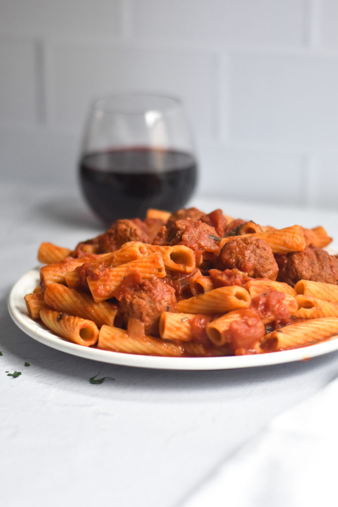 I just love how easy it is to make this pasta dish with meatballs!