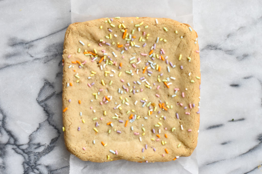 It doesn't have to be your birthday to enjoy these birthday inspired Vegan Funfetti Blondies!