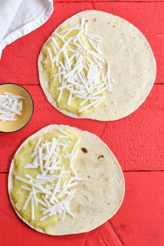 how to make an easy quesadilla.