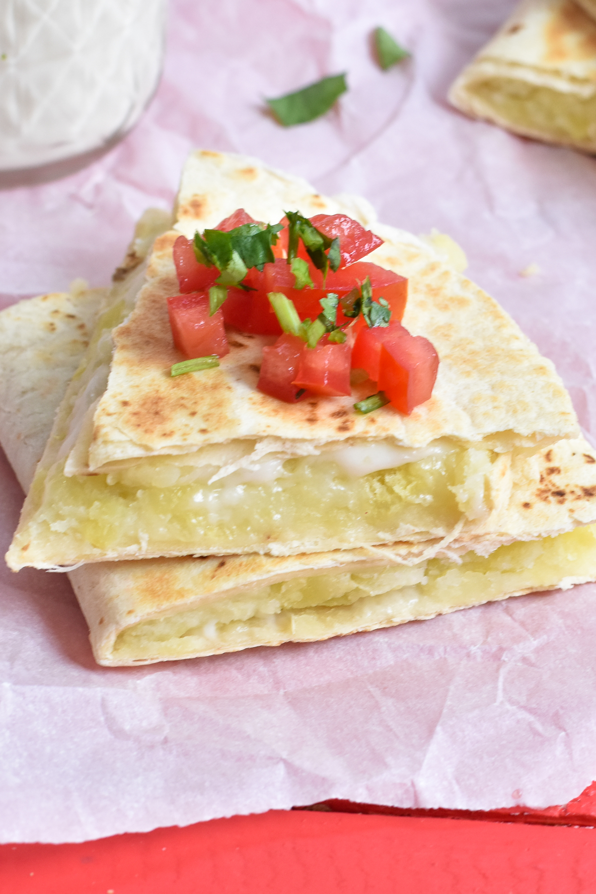 Quick and easy vegan quesadilla with potatoes. An easy recipe when you are short on time. #vegan #VeganMexican #quesadilla #easyrecipes #food #kidfriendly #dairyfree #potatoes