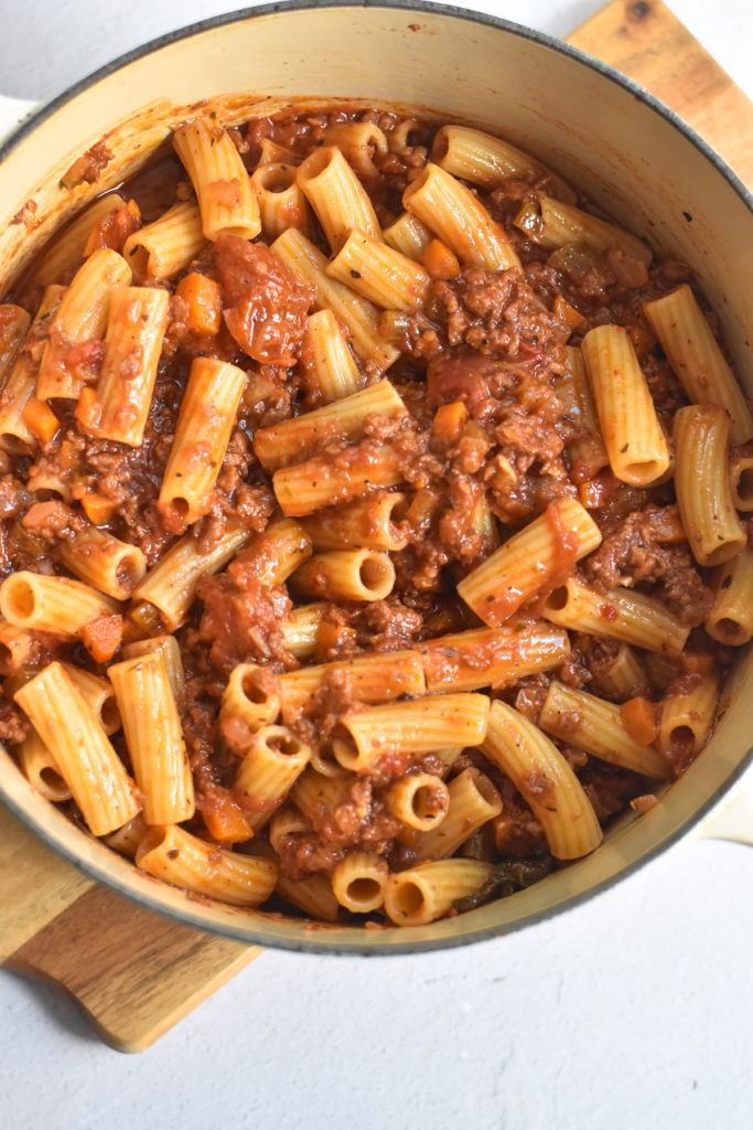 If you love pasta with a spicy kick, you have to try this spicy sausage rigatoni!