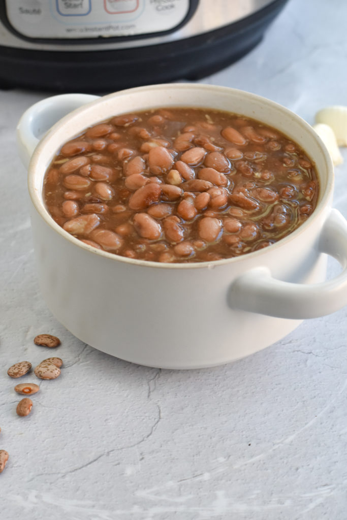 Mexican frijoles de olla in made in the instant pot. Great for meal prepping!